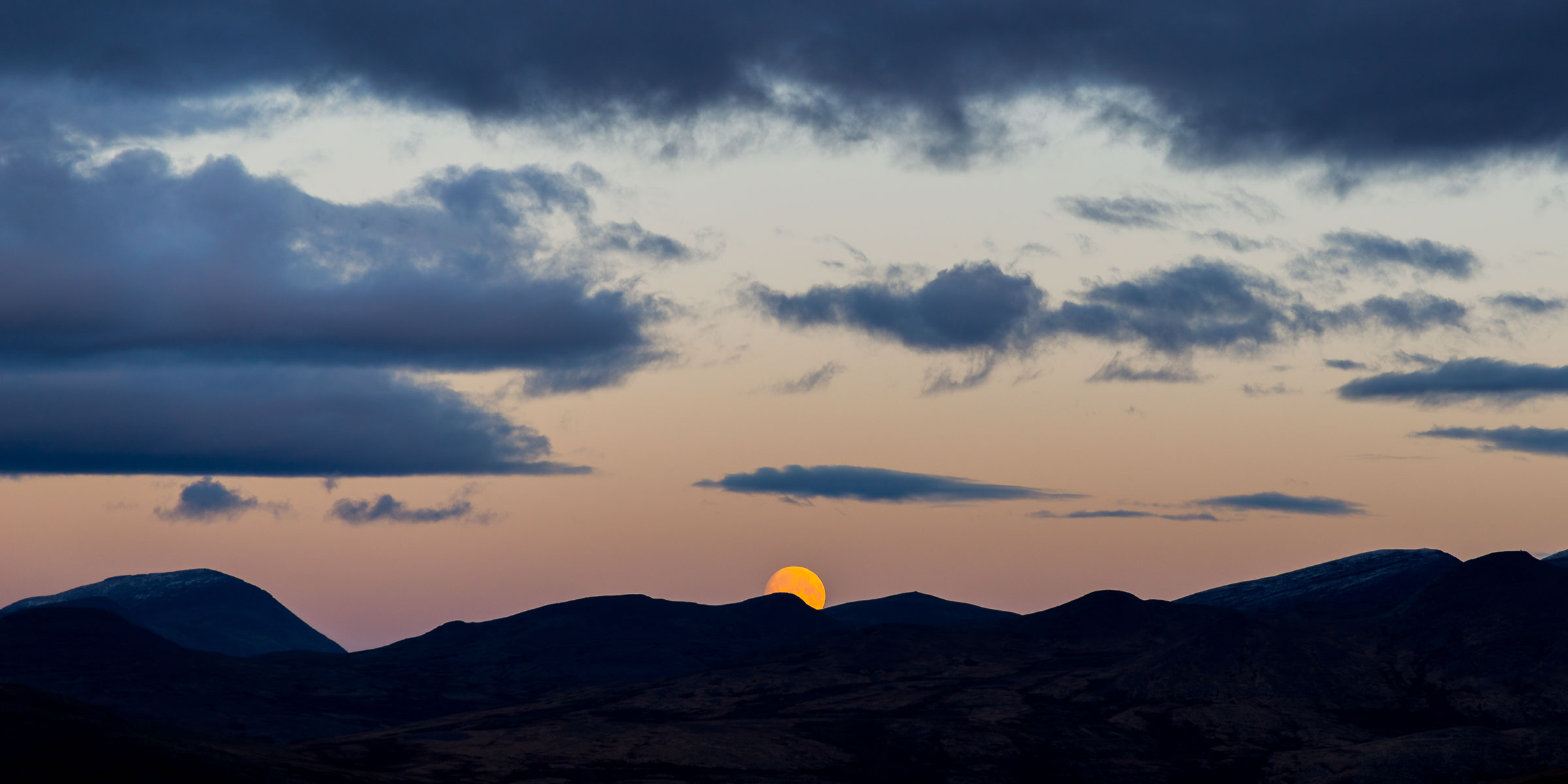 While waiting for the lunar eclipse in Rondane - 2015